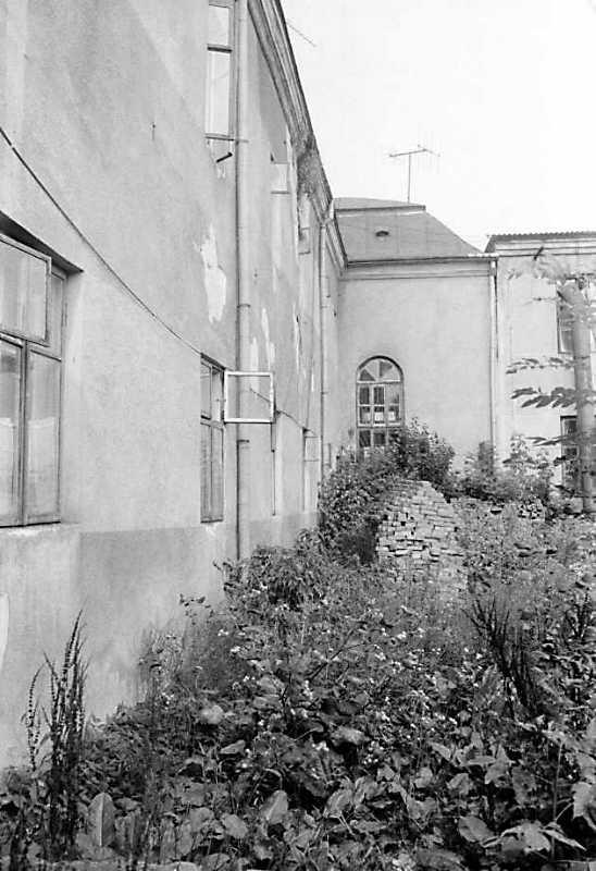 1989 р. Фрагмент фасаду і ризаліт