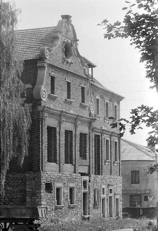 1989 р. Будинок у процесі відбудови