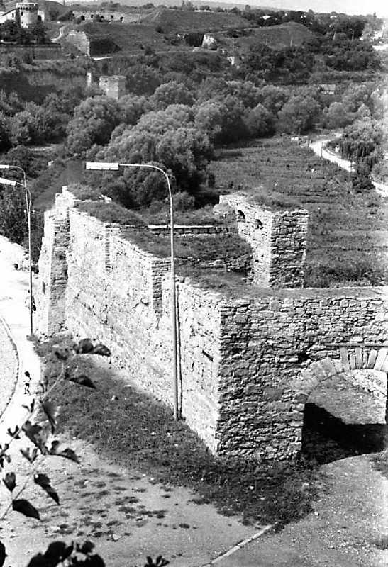 1989 р. Вид на міську браму з Вірменського бастіону