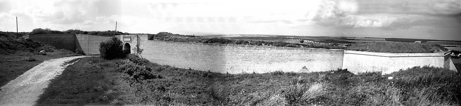 1991 р. Панорама південного фронту фортеці з півдня