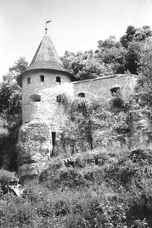 Наскельна башта