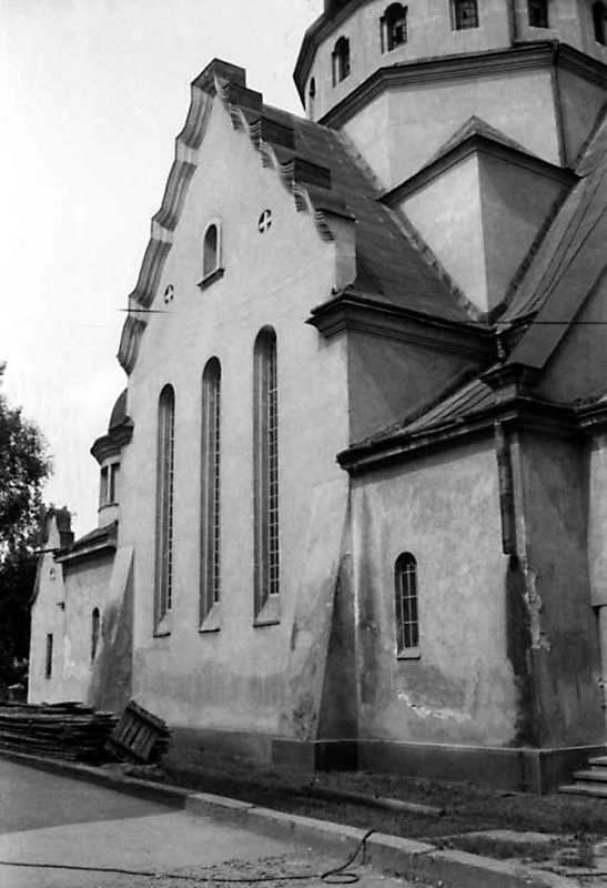 1991 р. Бічний фасад. Вигляд з позиції А4