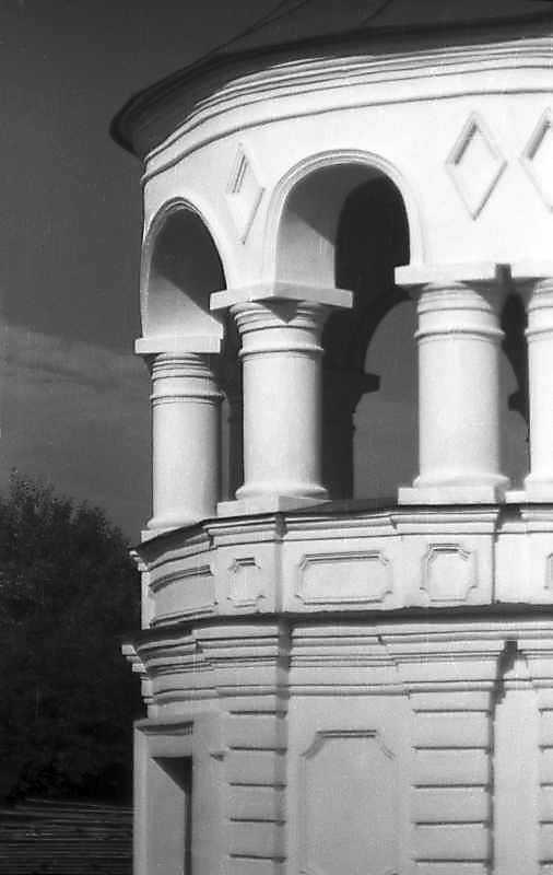 1994 р. Фрагмент південно-східного ґанку. Вигляд з позиції А2