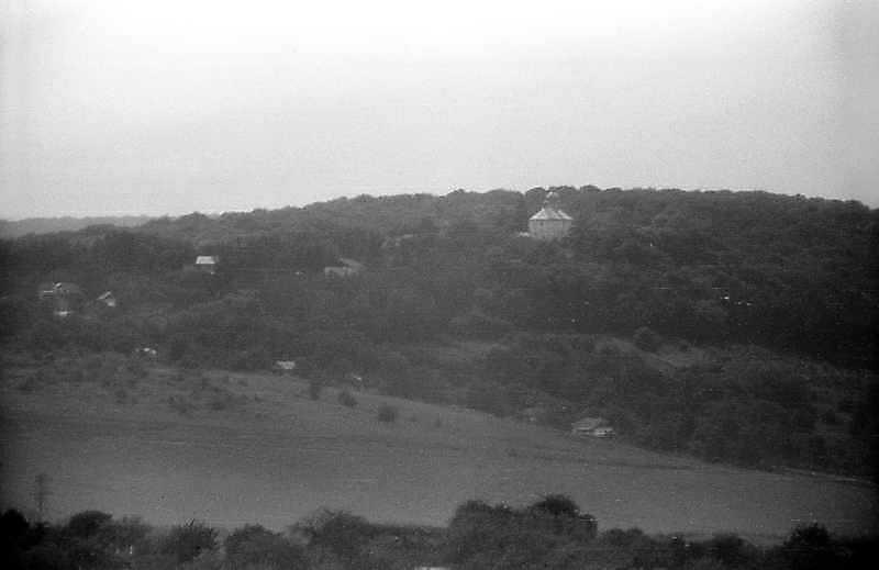 1995 р. Вид на монастир у Сатанівській Слобідці від Сатанова