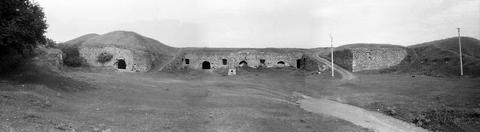 1995 р. Панорама двора зі сходу