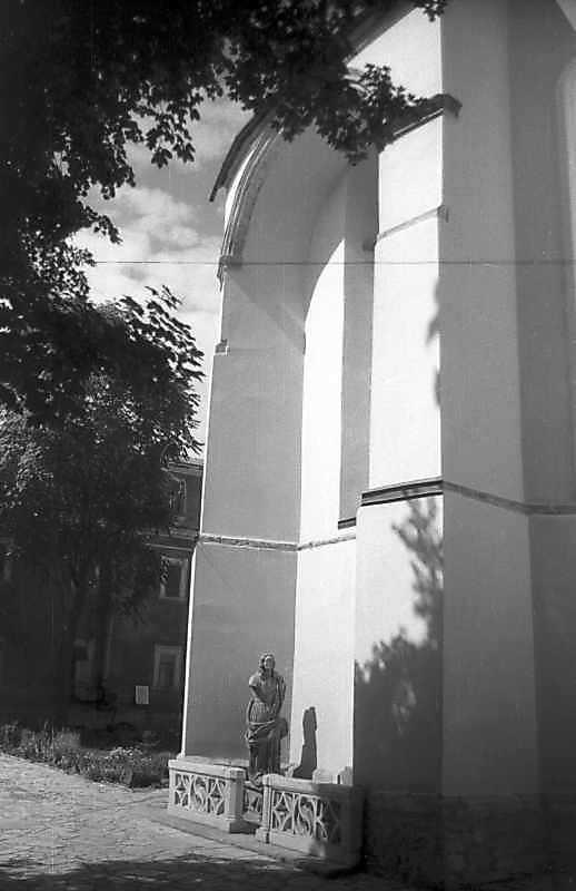 1995 р. Східний фасад вівтаря. Вигляд з північного сходу
