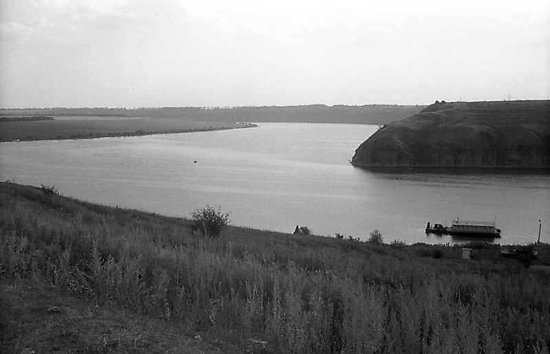 1995 р. Дністровське водосховище (ліворуч) та гирло р.Смотрич (праворуч)