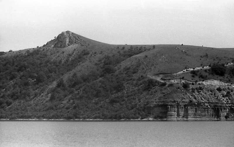1995 р. Водосховище і скелі на правому березі Дністра біля с.Нагоряни