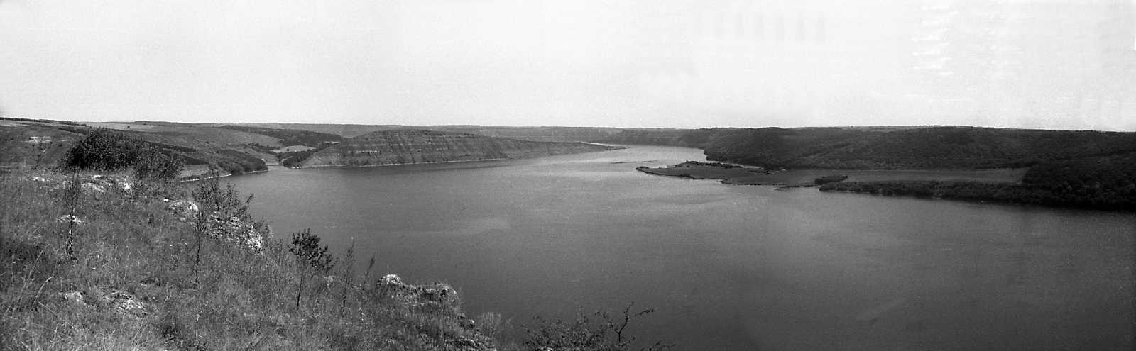 1995 р. Панорама гирла Студениці та Дністровського водосховища із заходу