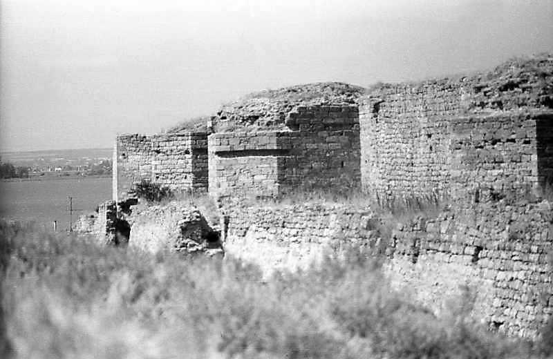 1995 р. Південний фронт з баштами 12, 10, 9. Вигляд зі сходу