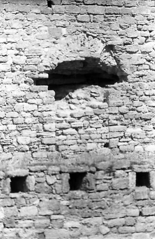 1995 р. Замурована фіртка (?) між баштами 7 і 6. Вигляд з півдня