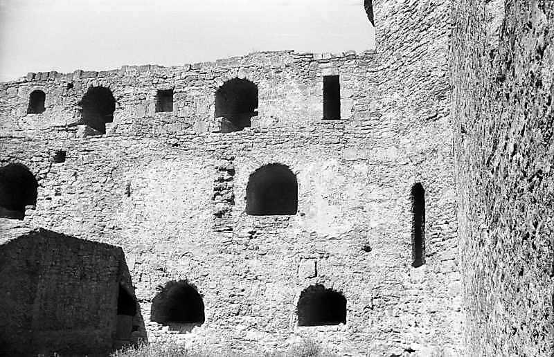 1995 р. Східна частина північного муру. Вигляд з півдня