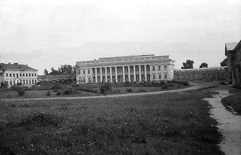 Палац та галерея