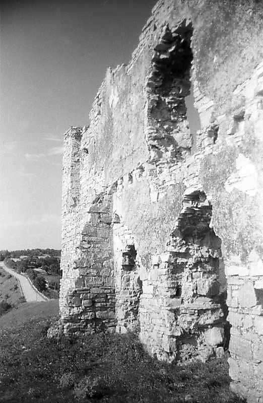 1996 р. Фрагмент муру 5. Вигляд з півдня