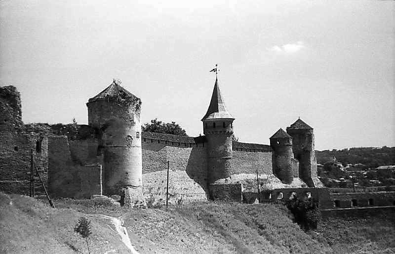 Башти Ляська, Тенчинська, Ковпак, Папська. Вигляд з заходу