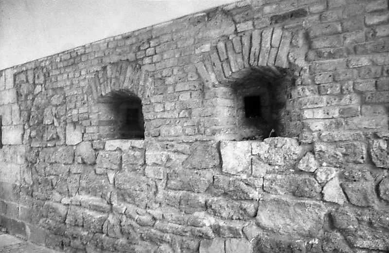 1997 р. Бійниці у проїзді Глинянської брами