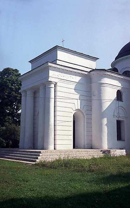 2000 р. Притвор церкви. Вигляд з південного заходу