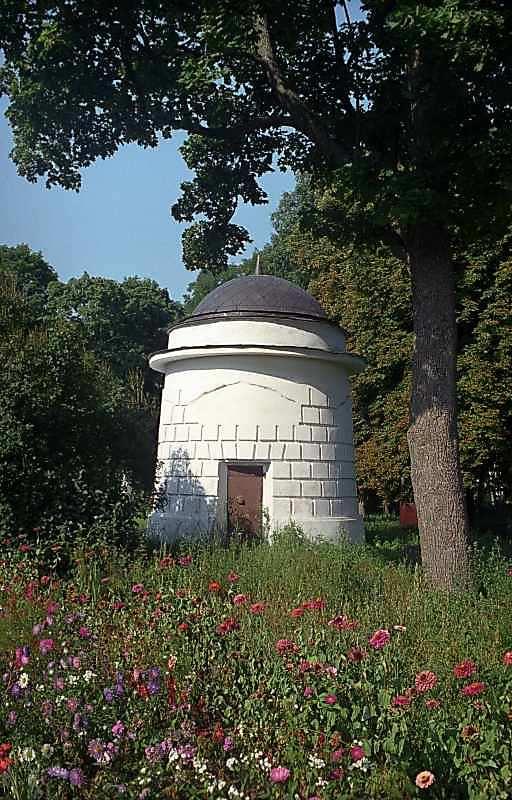 2000 р. Північний мавзолей. Вигляд зі сходу