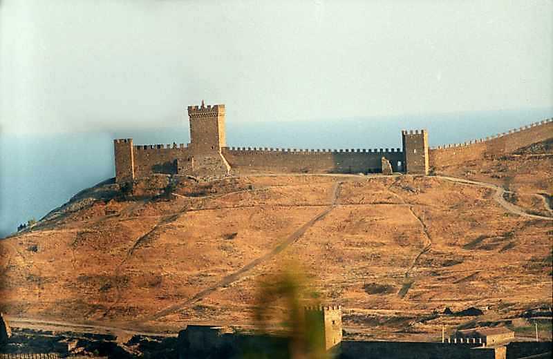 Консульський замок і Георгіївська башта
