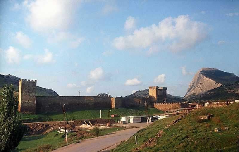 2002 р. Башти Паскуале Джудіче, № 5 та Головна брама. Вигляд з півночі