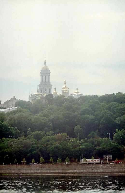 2004 р. Верхня лавра. Вигляд зі сходу