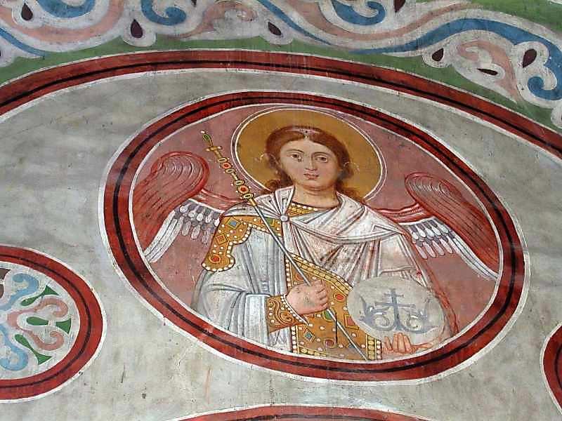 Ангел 5 у медальйоні (на стіні)