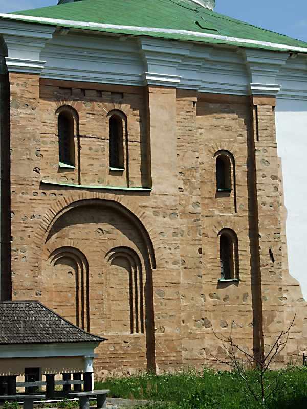 2007 р. Давня частина південного фасаду