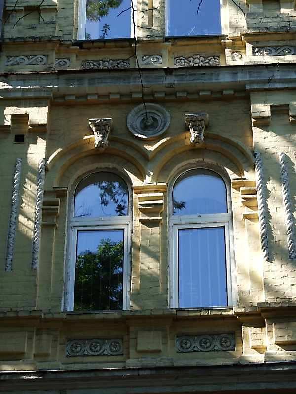 2007 р. Вікна 2-го поверху