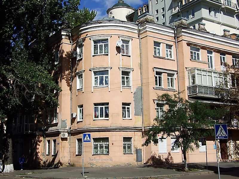 Житловий будинок (№ 24 / Хорива, 37)