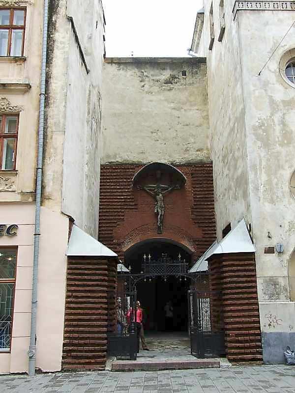 Західний двір (з боку вул.Краківської)