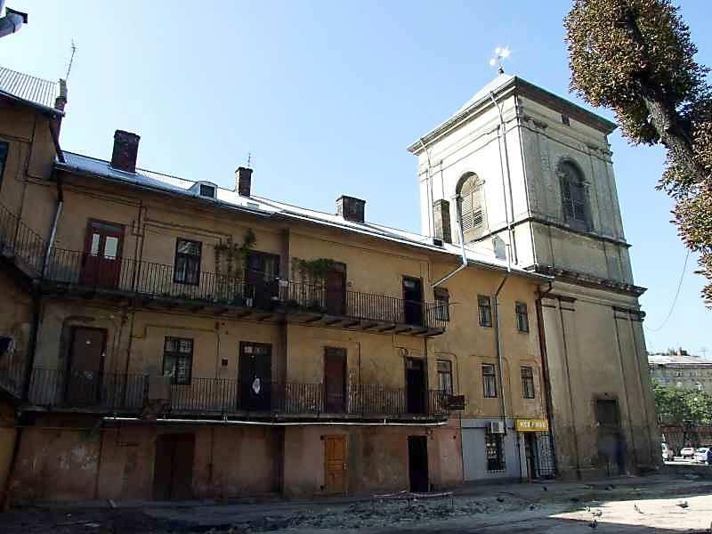 2007 р. Будинок (Соборна пл., 3) і дзвіниця. Вигляд з боку двору