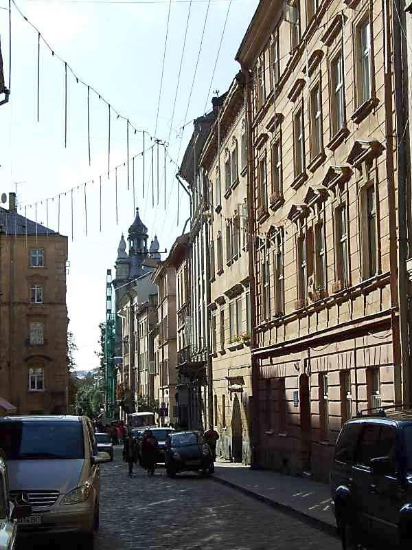 2007 р. Перспектива від вул.І.Федорова в бік вул.Краківської