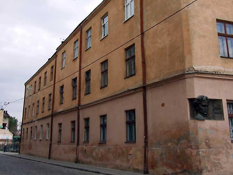 2008 р. Фасад вздовж вул. Вічової