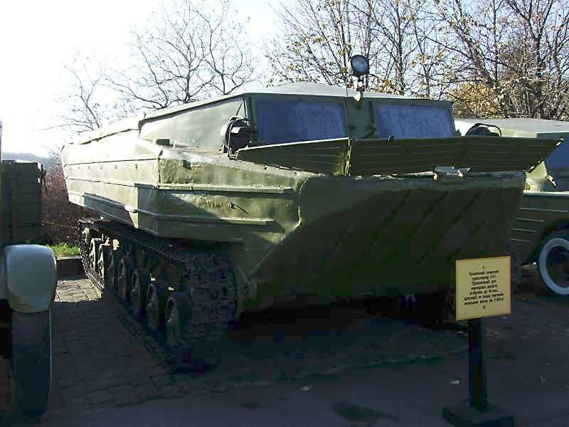 Гусеничний плавучий транспортер К-61