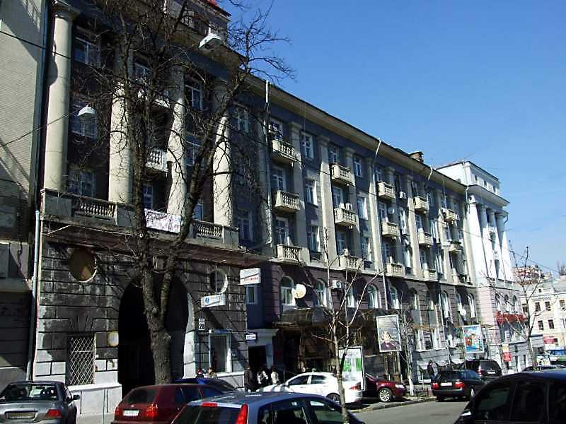 2009 р. Фасад по вул.Пушкінській
