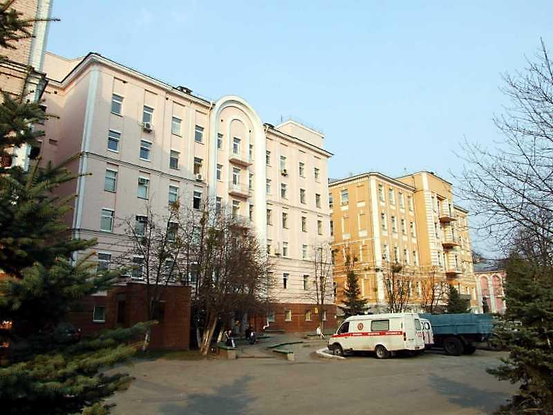 Олександрівська (Жовтнева) лікарня (№ 39 / Мечникова, 1)