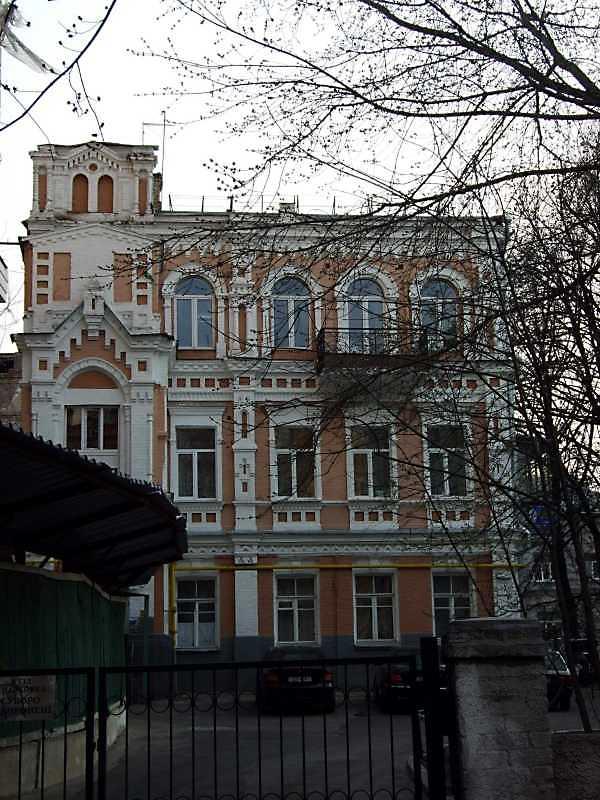 Житловий будинок з історією (№ 12)
