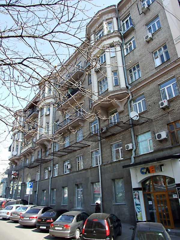 2009 р. Загальний вигляд з боку вул. Антоновича