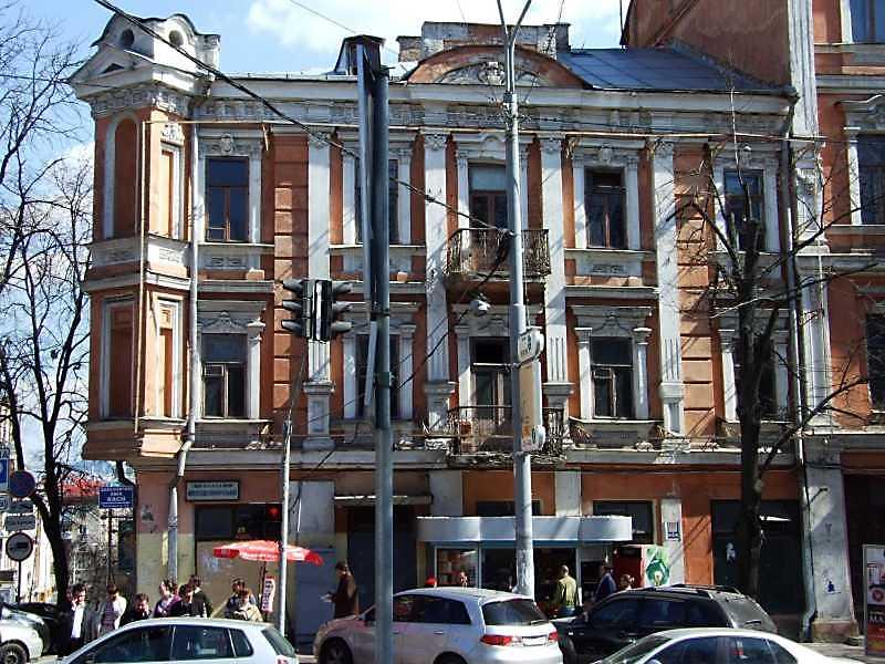 2009 р. Фасад по вул. Володимирській