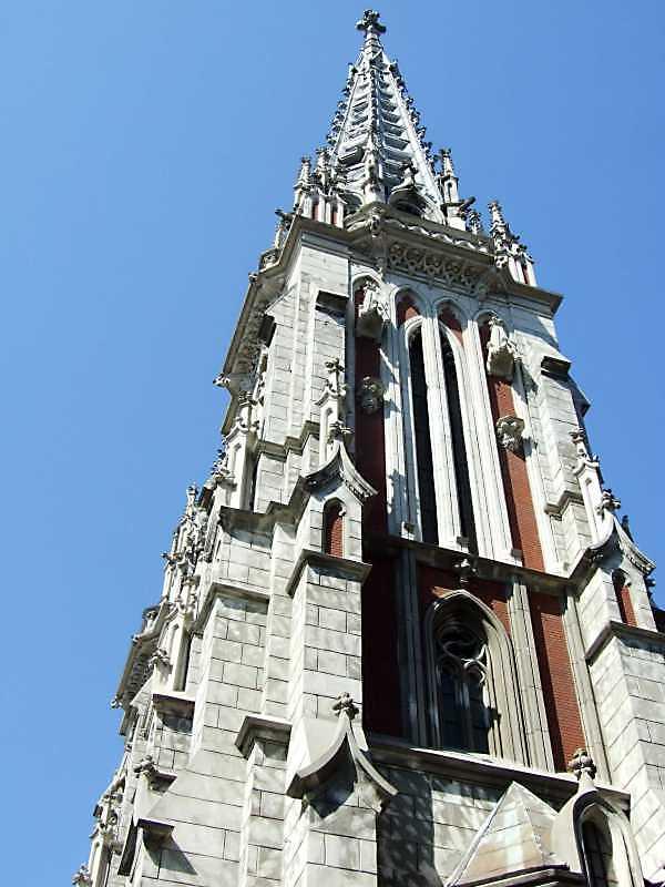 2009 р. Бічний фасад правої башти
