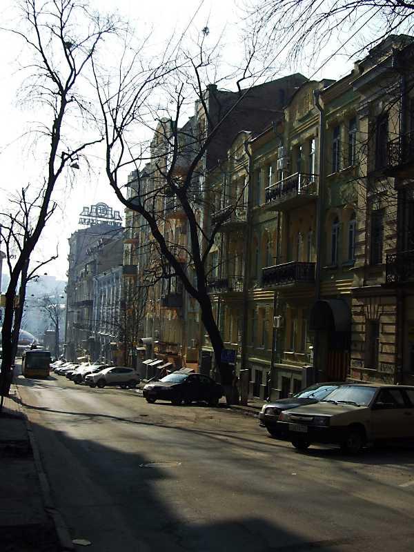 Мала Житомирська вул.