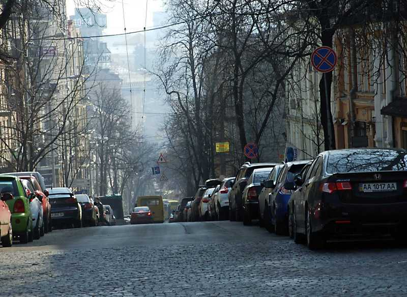 2012 р. Перспектива від вул. Володимирської в бік майдану Незалежності