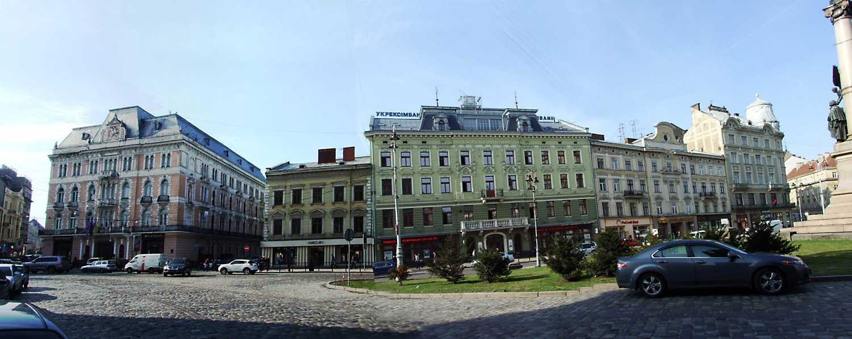 2012 р. Панорама південно-західного боку площі