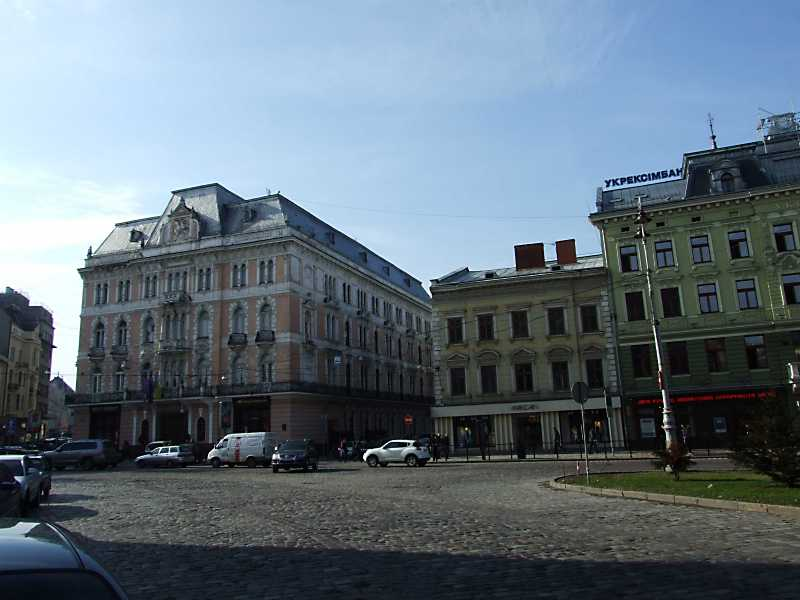 Готель «Жорж» (№ 1) та будинок № 3