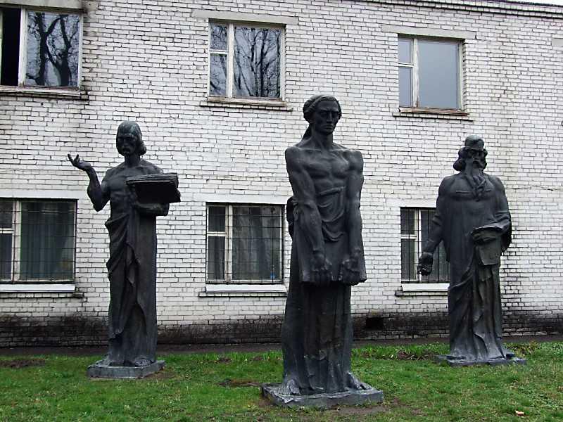 2012 р. Пам'ятник першодрукарям
