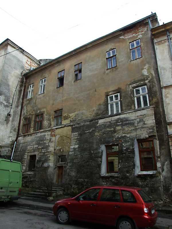 2012 р. Фрагмент фасаду з боку вул. Лесі Українки