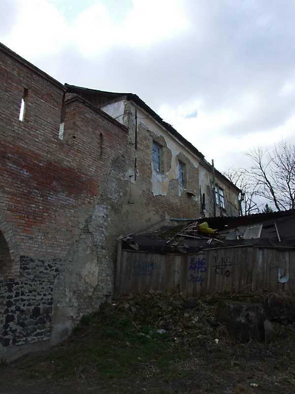 2012 р. Північний фасад у ракурсі. Вигляд зі сходу