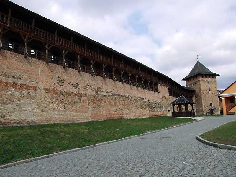 Північний мур і Владична башта. Вигляд з південного заходу