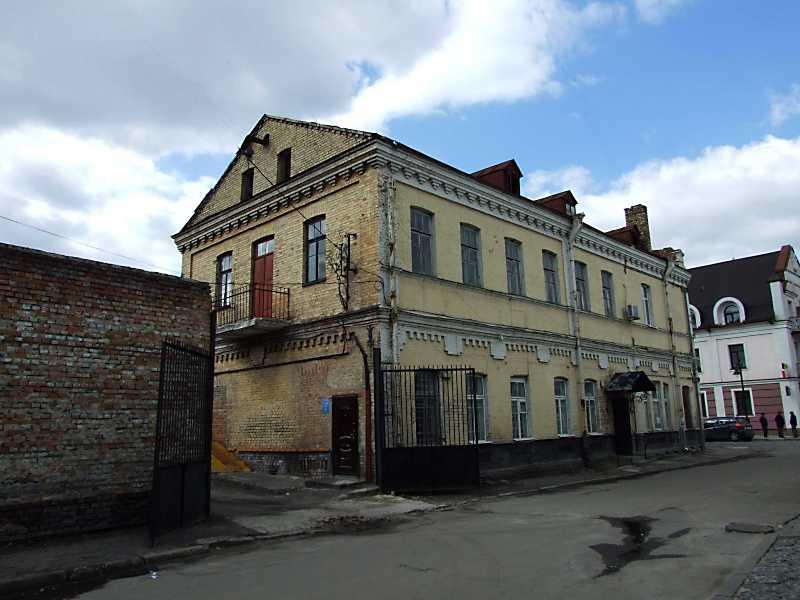 2012 р. Загальний вигляд з боку вул. Драгоманова