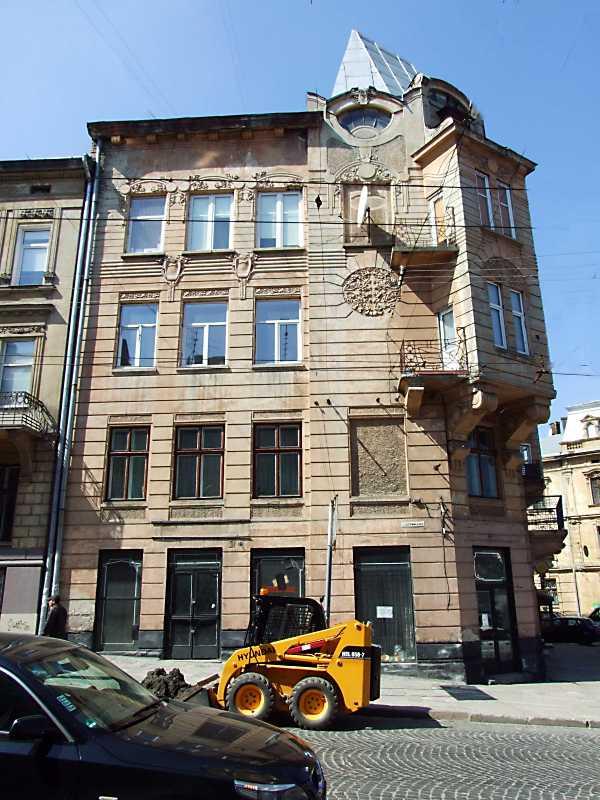 2013 р. Фасад по вул. Стрийській